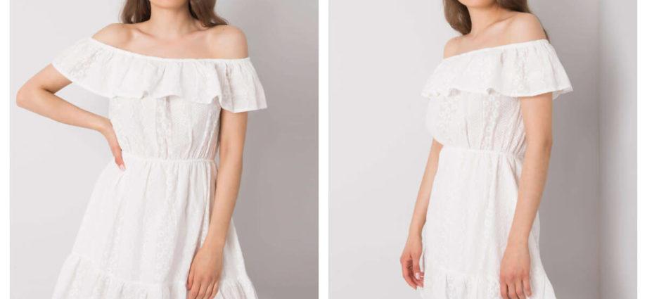 Biała sukienka mini z hiszpańskim dekoltem na lato
